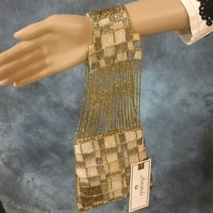 """Bracelet Handbag, NWT RARE Ananda """"Deco"""" 👛"""